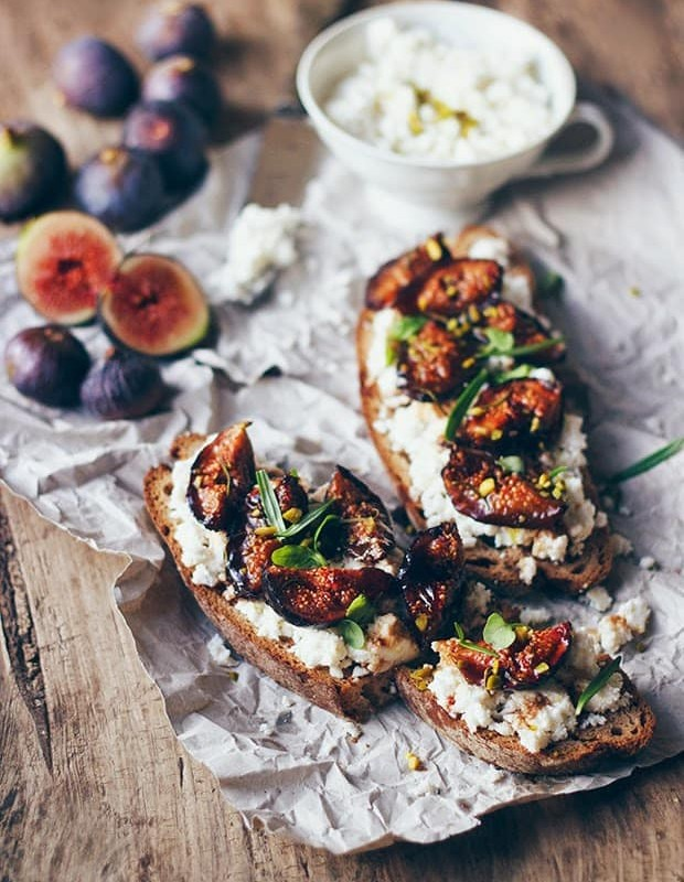 balsamic_fig_tartines